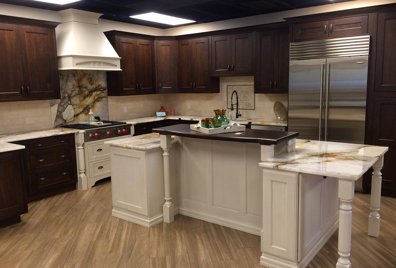 Tucson Cabinets & Stoneworks kitchen (image)
